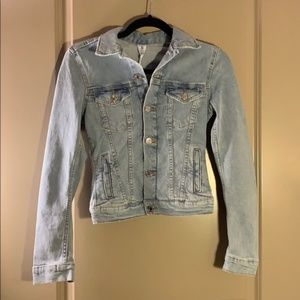 BRAND NEW Light Blue Denim Jean Jacket! Very chic!